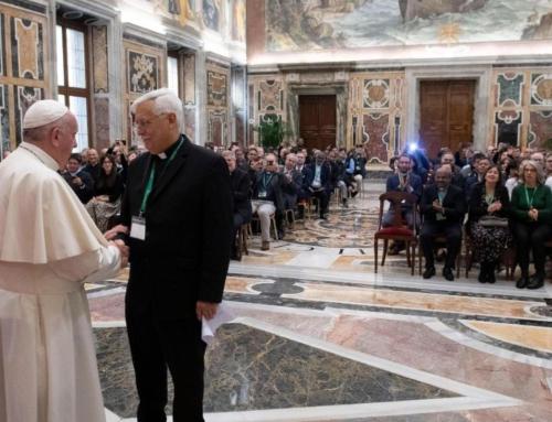 Pápež pripomenul odkaz Pedra Arrupeho: Slúžiť viere a spravodlivosti